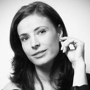 Monica Davidescu, Scrisul face bine