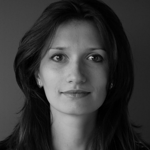 Oana Mihailescu grey