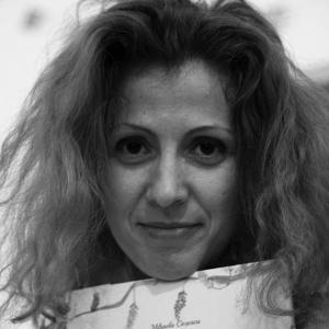 Angela Constantinescu, Scrisul face bine