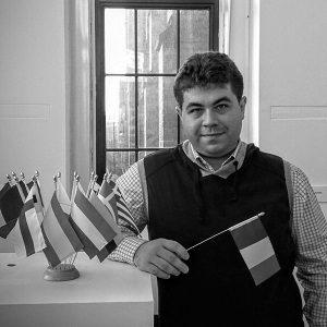 Gabriel Brezoiu, Scrisul face bine